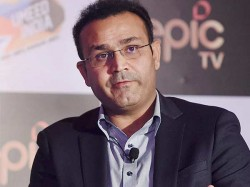 It Should Be Left To Dhoni To Decide Says Virender Sehwag