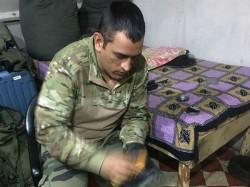 Dhoni Shoe Polishing Photo In Military Camp Goes Viral