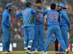 Virat Kohli Praises Young Player Washington Sundar
