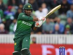 Pakistan Pm Imran Khan Advises Sarfaraz Ahmed Should Focus On Domestic Cricket