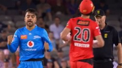 Bbl 09 Umpire Greg Davidson Rubbing His Nose Midway