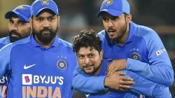 Ind Vs Aus Kuldeep Yadav Took 2 Wickets In Same Over