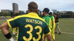 Shane Watson Shows No Respect To Pak Great Wasim Akram