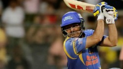 Sehwag Run Out Make Fans To Stun In Road Safety T20 Match