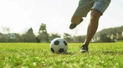 Coronavirus Impact Cricket And Football Players Received Warning From Doctors