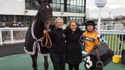 British Amy Murphy Keeps Her Racing Stables With Care