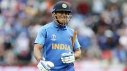 Dhoni Went With Tears While Jadeja Became A Hero In 2019 World Cup Semi Final