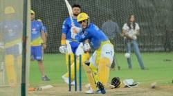Ipl 2020 Dhoni Hit A Huge Six In Csk Camp And Murali Vijay In Awe