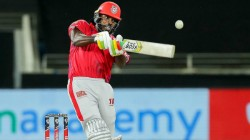 Ipl 2020 Kxip Vs Dc Chris Gayle Hit 26 Runs In A Powerplay Over