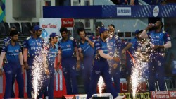 Ipl 2020 Mumbai Indians Contingent Travelled With 150 Members