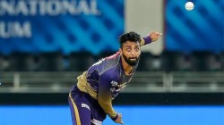 Ipl 2021 Jogging Between The Wickets Of Kkr Varun C Goes Viral In The Match Against Csk