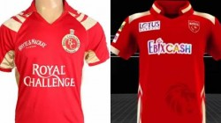 Ipl2021 Fans Trolls Punjab Kings For Copying Rcb S Old Jersey For This Season
