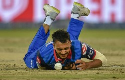 Ipl 2021 Axar Patel Still Has Not Joined With The Delhi Capitals Team After Getting Covid