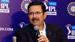 Kkr Ceo Declares Entire Team In Hard Quarantine Owner Shah Rukh Khan Takes Stock Of The Situation