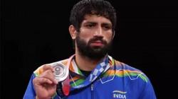 Tokyo Olympics 2020 India S Pm Modi President Ramnath Govind Praises Indian Wrestler Ravi Dahiya A