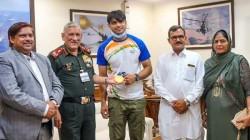 Tokyo Olympics Golden Boy Neeraj Chopra Meets With General Mm Naravane And Felicitated By Rajputa