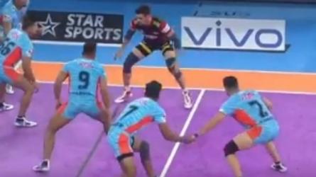 PKL 2019 : ரெய்டுக்கு ரெய்டு.. அனல் பறந்த கபடி போட்டி.. முட்டி மோதிக் கொண்ட இரு வீரர்கள்!